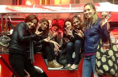 EVJF PARIS la Nuit en Tuktuk